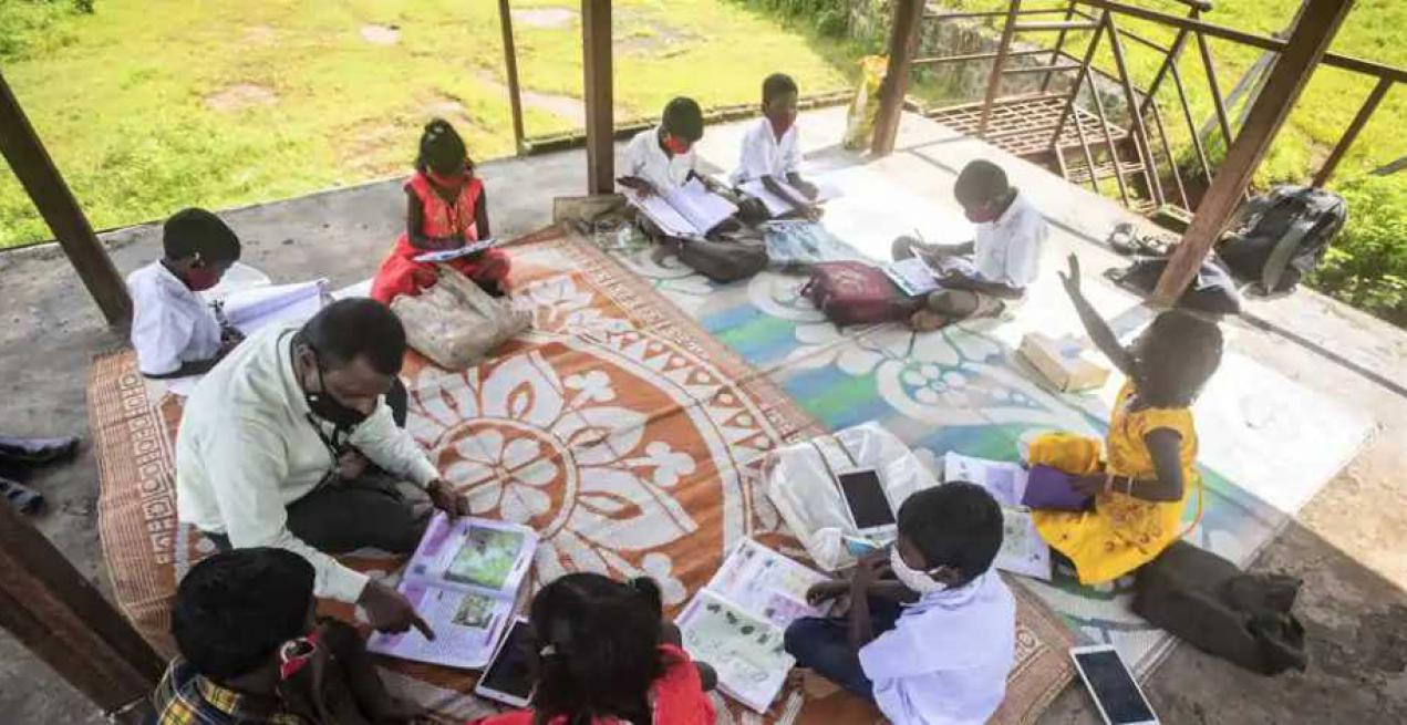 The Efforts of This Principal & His Teachers to Educate Students in Rural Pune Are Commendable