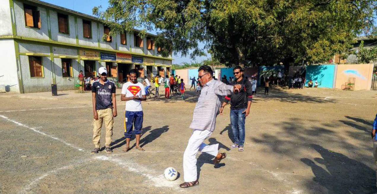 Retired Coach Vijay Barse On Making The Slum Kids & Women Score Success Goals For 2 Decades